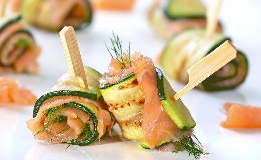 Roulés apéritifs de courgette au saumon fumé