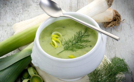 Soupe de patates douces, poireaux et coco